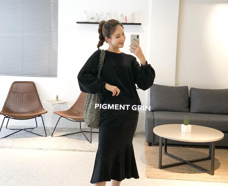 Exciting Dating One-to-One + Skirt SET