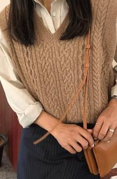 Lagom-knitted vest