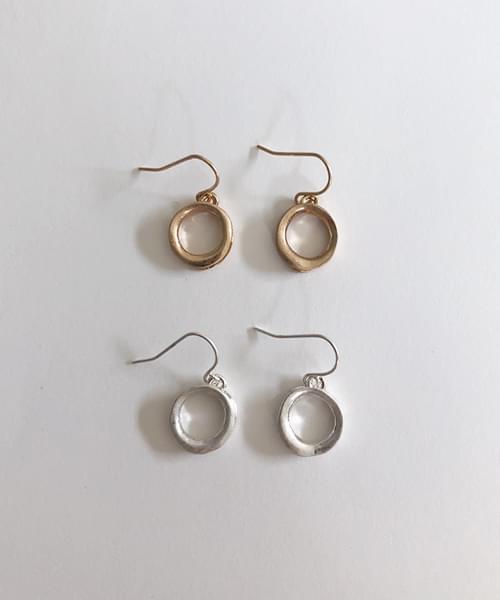 studio earring