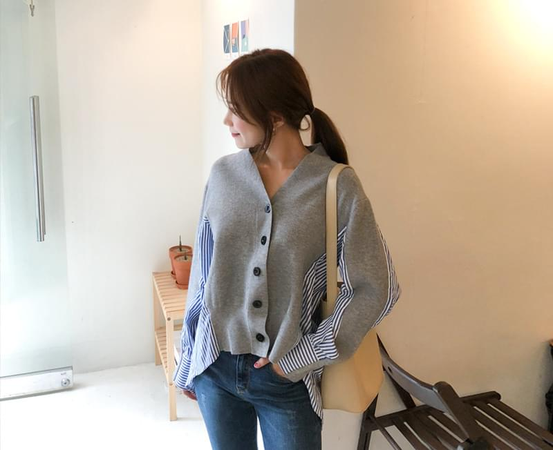 Second color cardigan