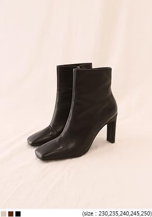 CHIC SQUARE ANKLE BOOTS