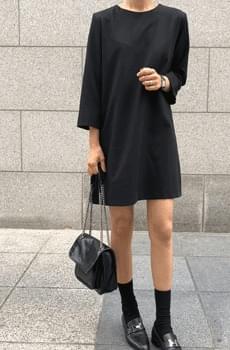 Self-produced / Clazzi-Black Dress