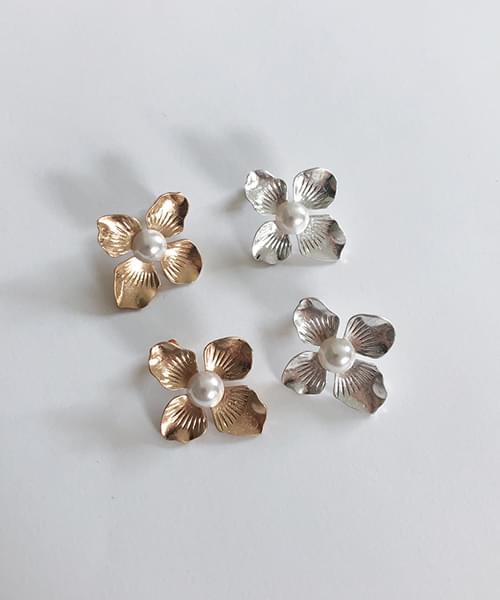rosebay earring