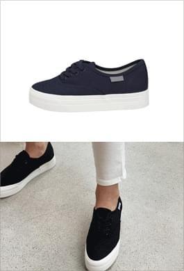 Lightweight 3.5-centimeter sneakers