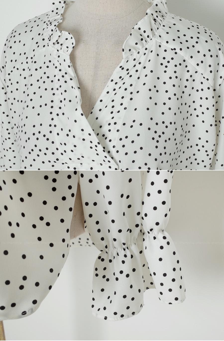 Jasmine dot frilly blouse