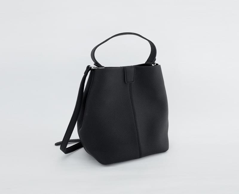 Greit Shoulder Bag