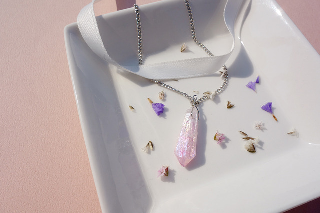 Rose quartz choker