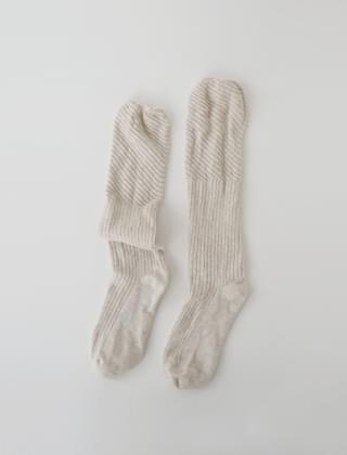 oatmeal loose knee socks