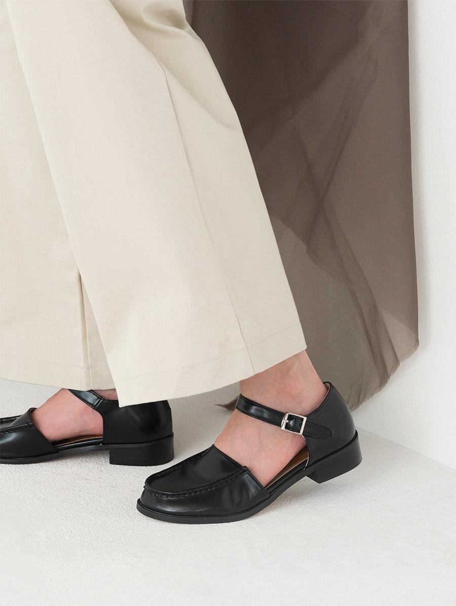 unique shape strap point flat shoes