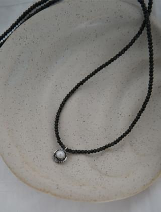 antique pearl necklace