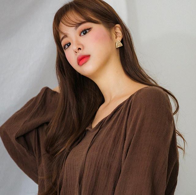Sand shirring blouse