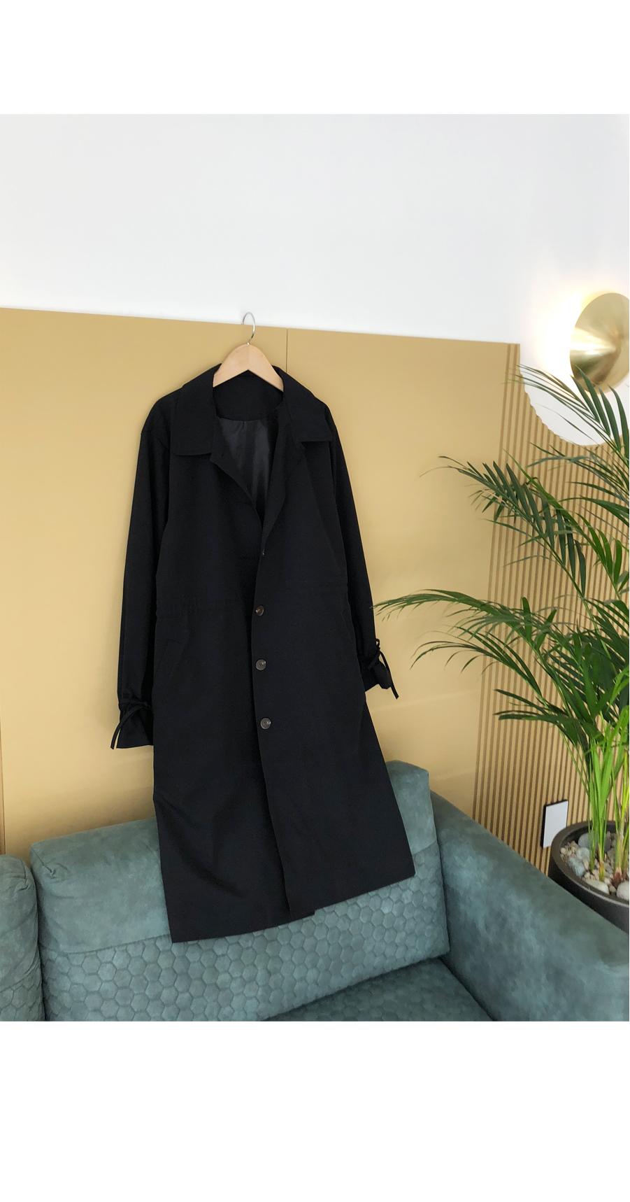 Veredan Day trench coat