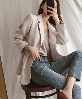 Two button loose jacket