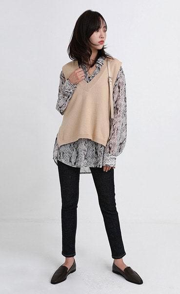 layered v-neck vest (3colors)