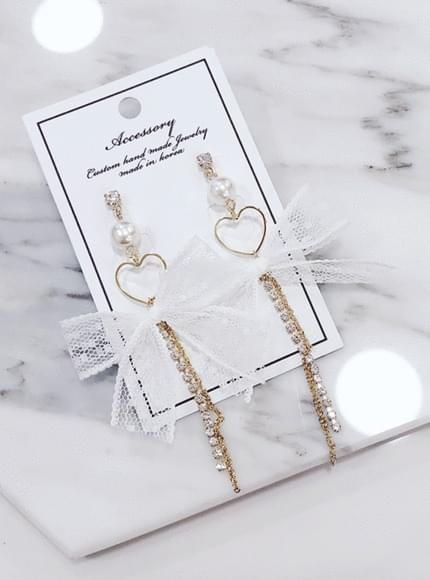 Lace Ribbon Cubic Bold Earrings