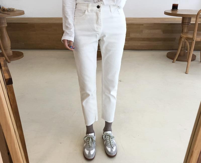 Slim Daily Pants
