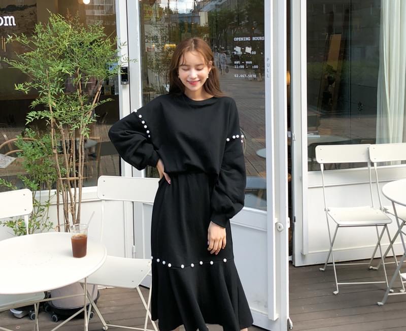 Sasha pearl tea + skirt set