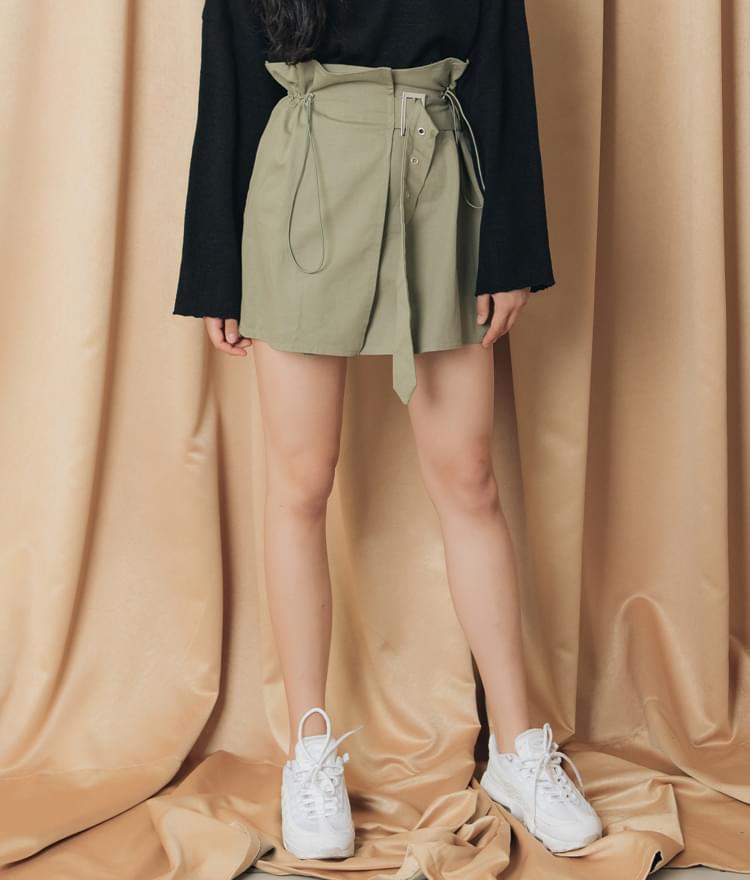 String belt skirt