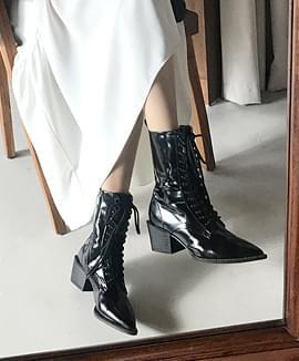 Standard lace-up walker
