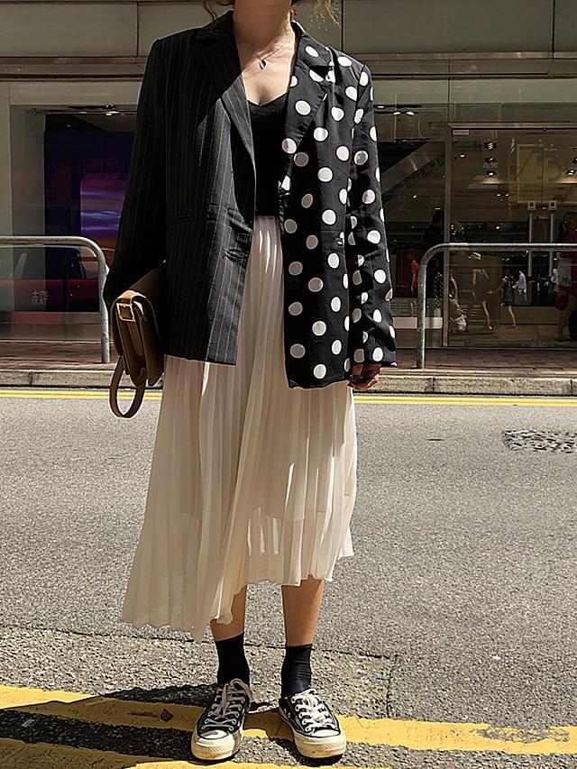 Half-dot stripe jacket