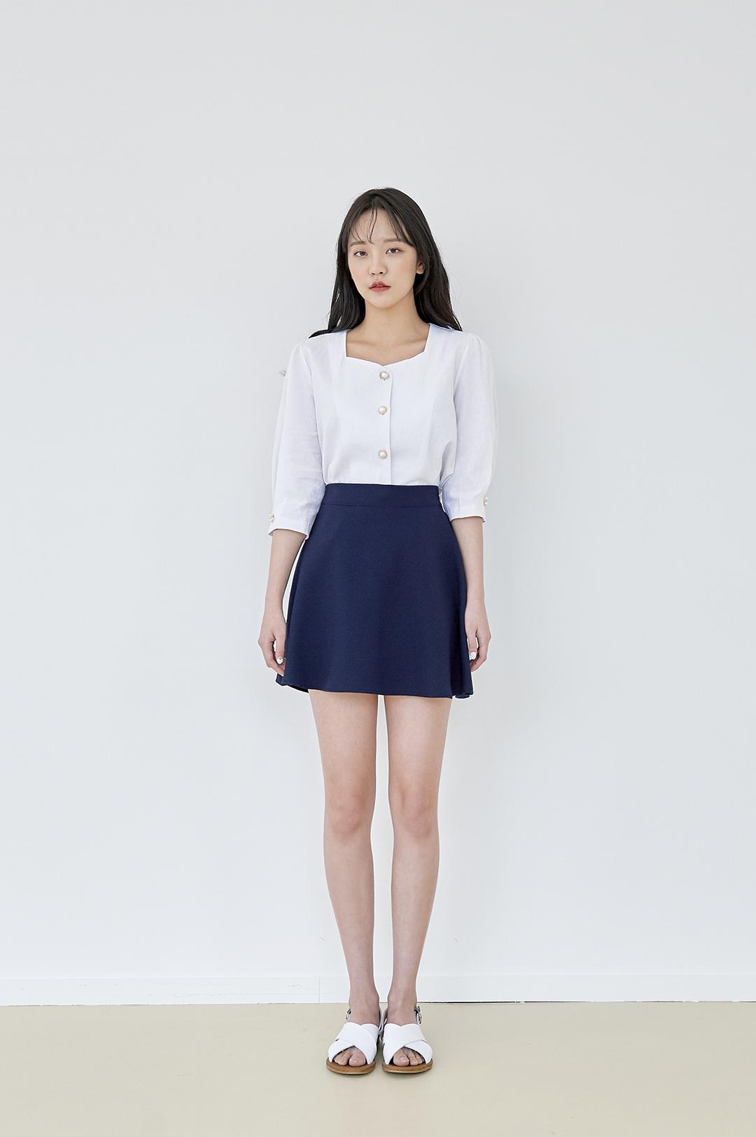 Pearl Linen Blouse