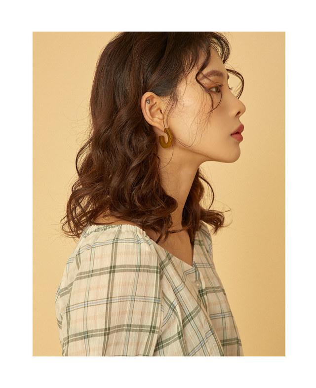 melody v-neck puff blouse
