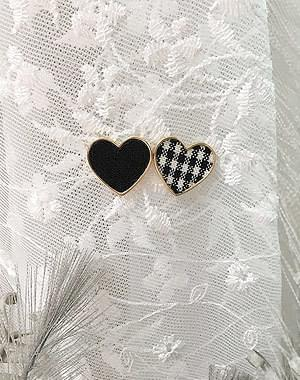Chou Heart Earrings
