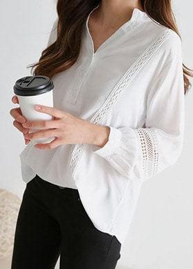 Lace punching blouse