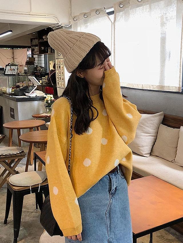 Pastel polka dots knit
