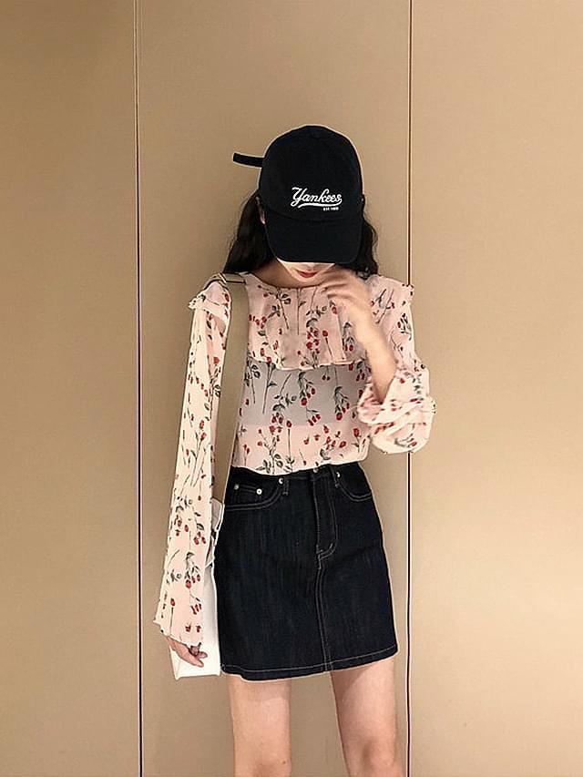 Cherry flower flower pattern frilly blouse