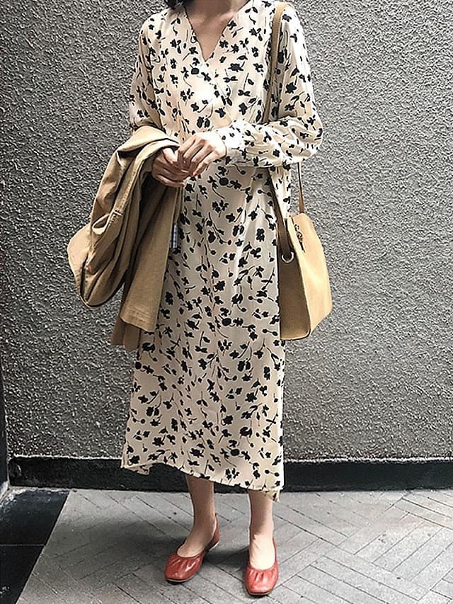 Ivory dress long-sleeved dress