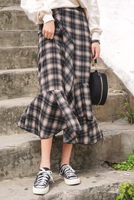 Miracle check skirt