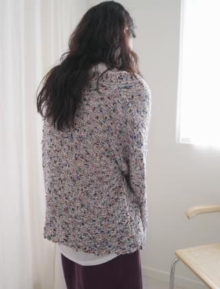 ruffle V-neck knit