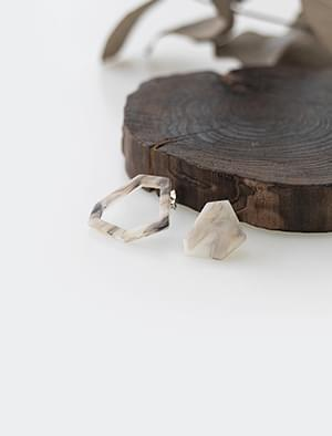 figure marble earring
