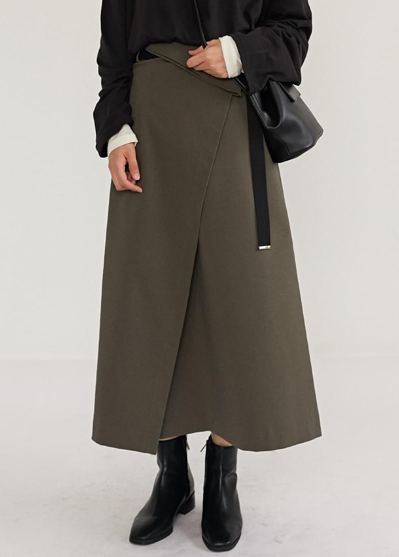 Flap belt skirt