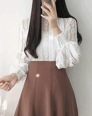 Soft lace long sleeve bl