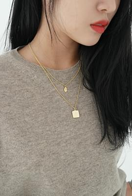 Simple layered necklace set