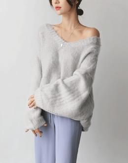 Buckle v knit