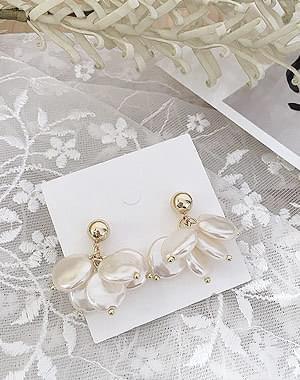 Flower jade earrings