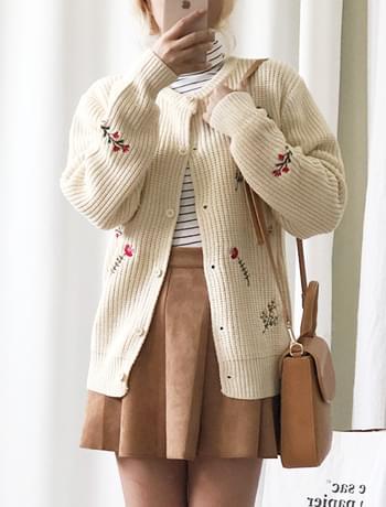Parfait flower embroidery knit cardigan