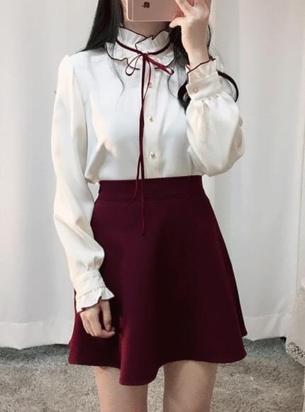 Viva velvet strap blouse