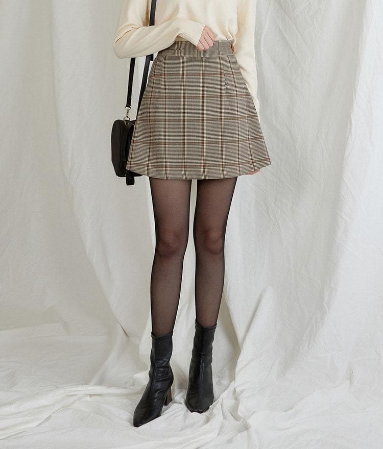 Check Button Skirt