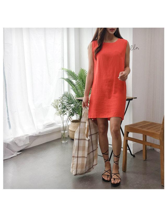 Belly Pocket Dress
