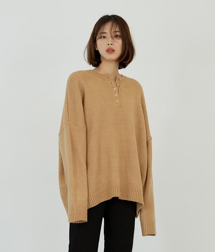 Button Loose Knit