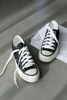 Deep Classic Sneakers