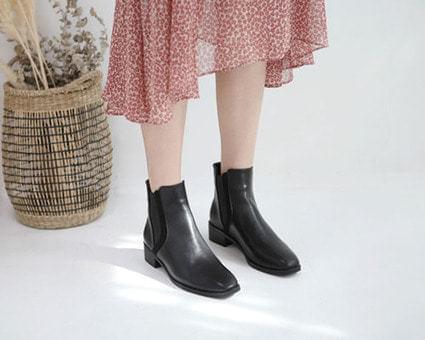 Blaine Basic Chelsea Boots