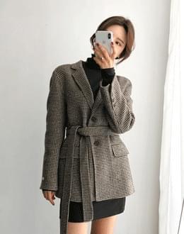 Hound belt wool coat