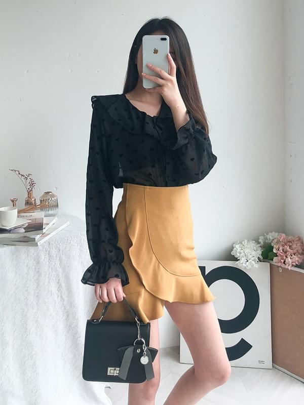 Mini heart frilly blouse