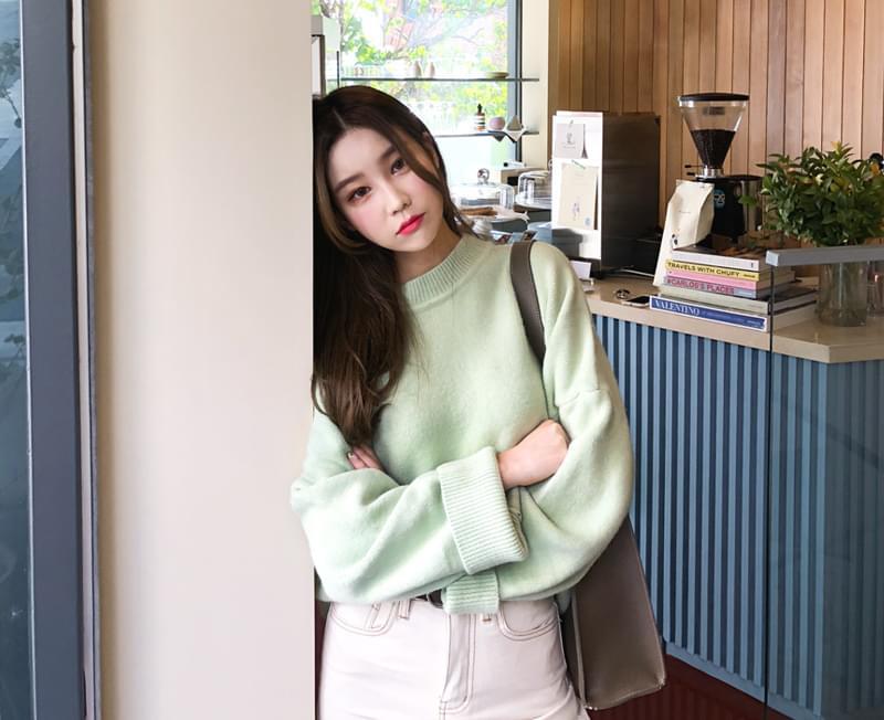 Pastel knitwear