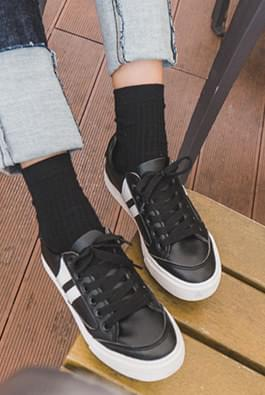 Mokbi Sneakers